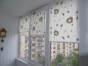 Установка рулонных штор на пластиковые окна в Серпухове